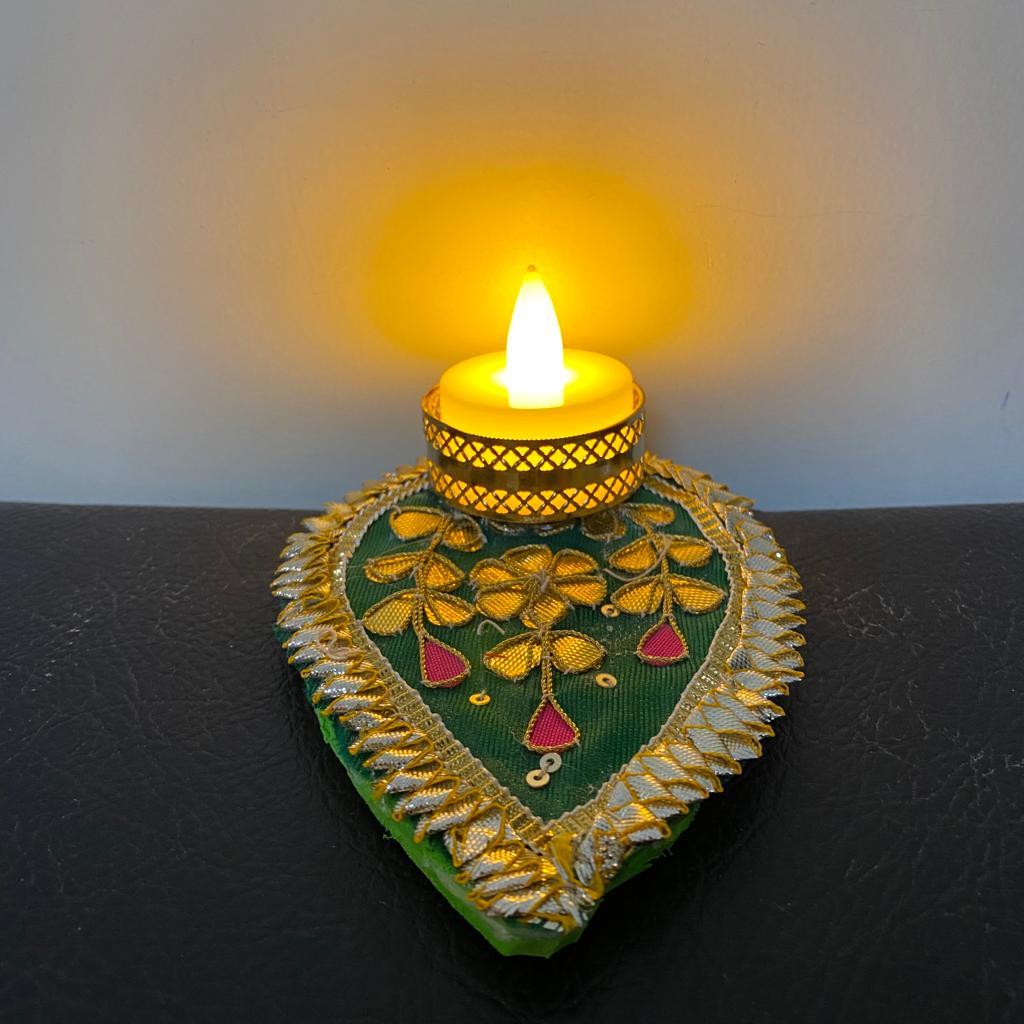 Gota Patch Leaf Shape Tea Light Candle With LED Light 1
