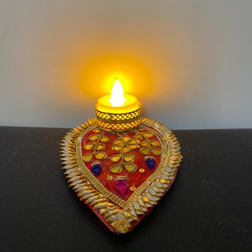 Gota Patch Leaf Shape Tea Light Candle With LED Light Pink