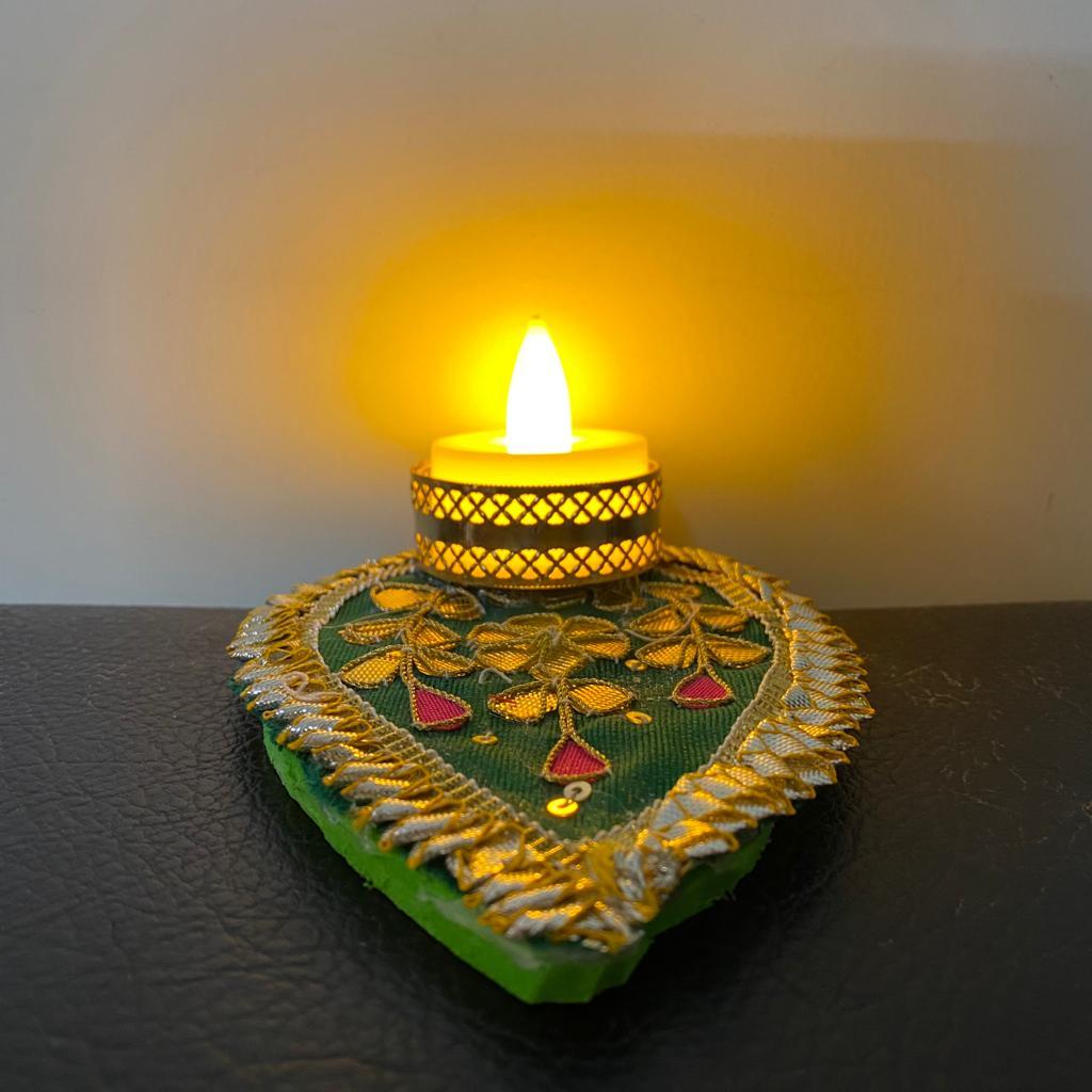 Gota Patch Leaf Shape Tea Light Candle With LED Light